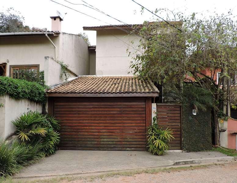 Casa com 2 dormitórios à venda e locação, 162 m² por R$ 740.000 - Vila Diva - Granja Viana.