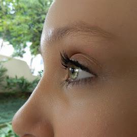 Twinkle in eye :) by Vera Vilela - People Body Parts (  )