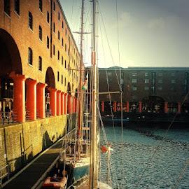 Evening  by  the   harbour by Gordon Simpson - City,  Street & Park  Vistas
