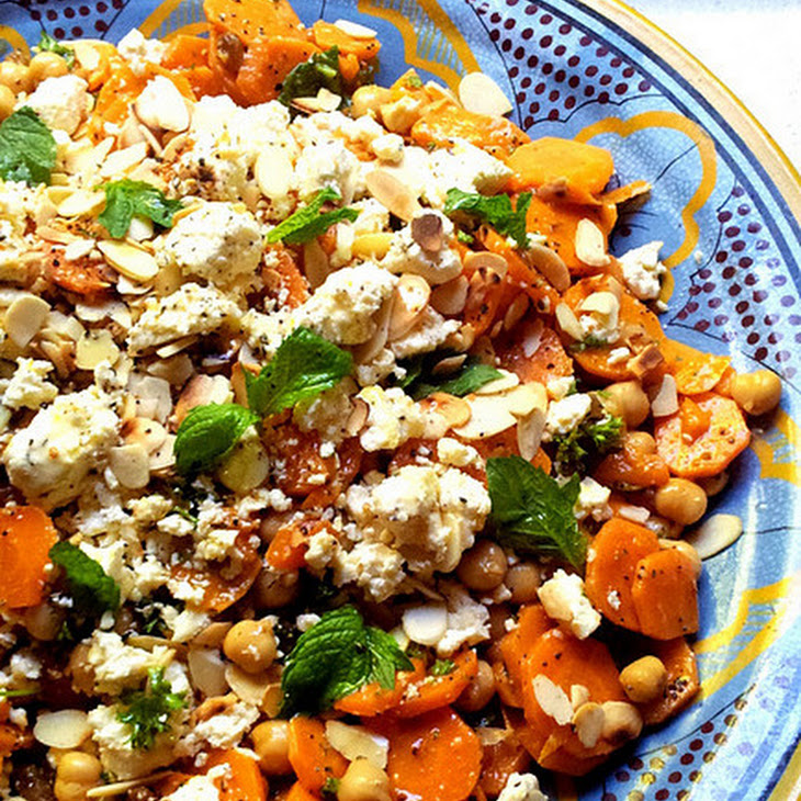 Moroccan-Spiced Carrot and Chickpea Salad with Mint & Almonds Recept ...
