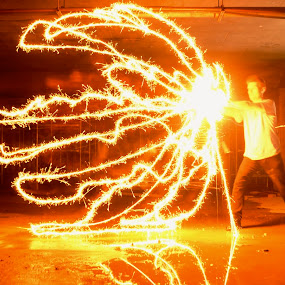 dragonball Z by Adam Scarf - Abstract Light Painting ( sparklers super powers light painting )