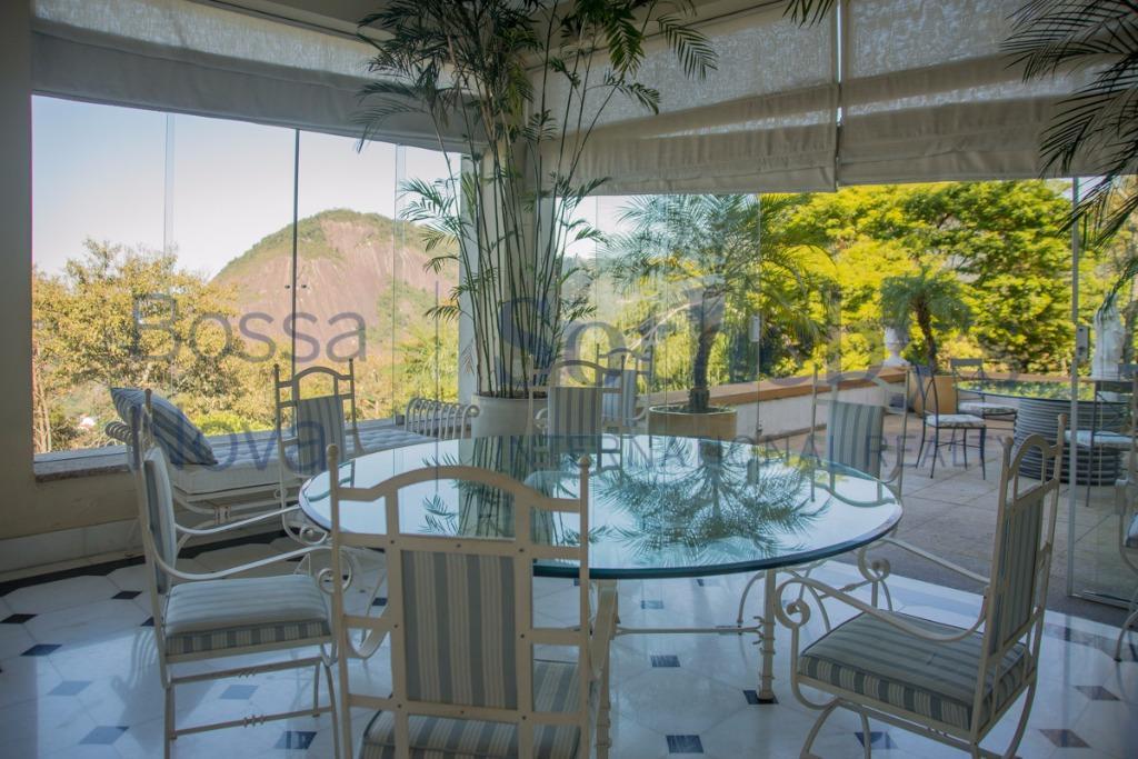 Deslumbrante residência com vista para os cartões postais do Rio