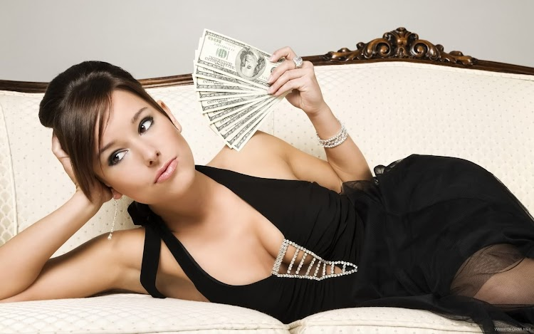 Attractive people usually have a better salary