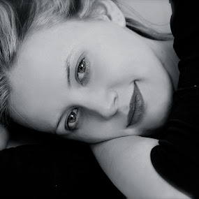 anna B&W2 by Worowsky Papa - People Portraits of Women ( b&w, girl, blond, waking, blu eyes )