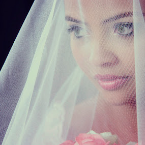 Taiane by Jean Carlos Monnerat - Wedding Bride ( making of, wedding, veil, bride )