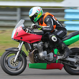 Suzuki by John Davies - Sports & Fitness Motorsports ( pembrey circuit, tamron sp 150-600mm f/5-6.3 vc usd, jd photography, motorsport )