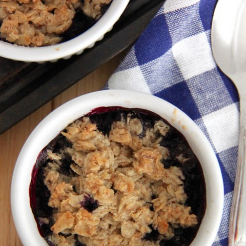 Paleo Gluten and Dairy Free Blueberry Crumble