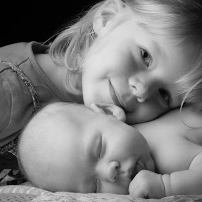 Siblings by Mike Kremer - Babies & Children Child Portraits ( ekimpix, family, bw, baby, cute, sleep, siblings )
