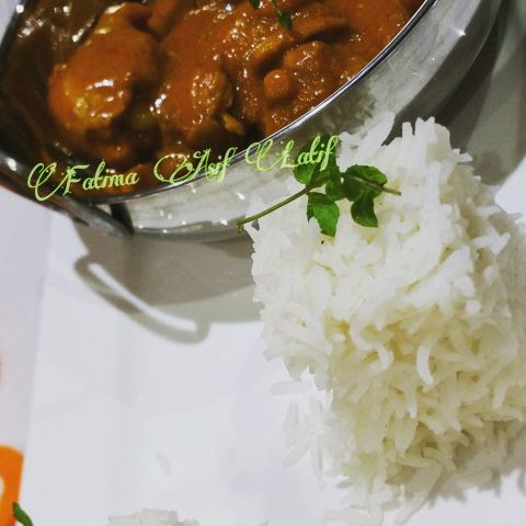 Chicken With Yogurt & Coconut Sauce