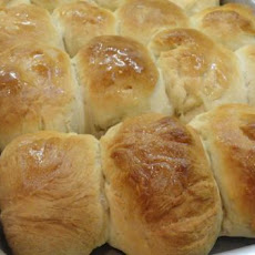 "Pat ""Mom's"" Yeast Rolls"