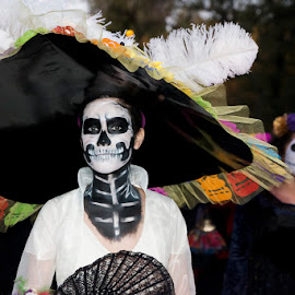 Catrina by Sergio Yorick - Public Holidays Halloween ( holiday, color, woman, body art, costume )
