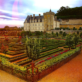 Villandry at sunset by Gérard CHATENET - City,  Street & Park  Historic Districts