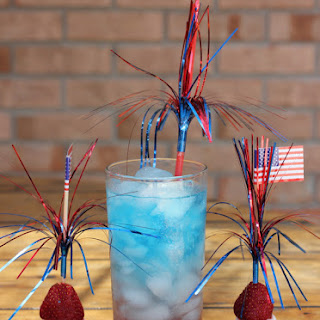 Layered Red, White, & Blue July 4th Drink (Kid-Friendly)