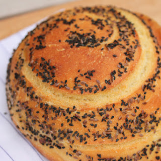 Semolina Rounds with Black Sesame and Golden Flax Seeds