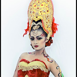traditional culture by Ghamhatronich Ghamhatronich - People Portraits of Women ( culture, fashion, urban portrait, urban fashion, unique outfit )