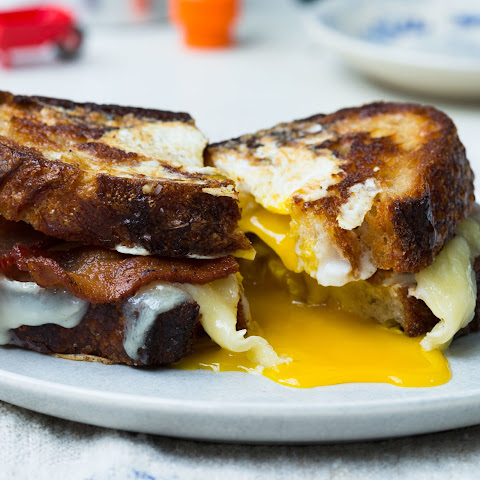 Egg-in-a-Hole Sandwich with Bacon and Cheddar