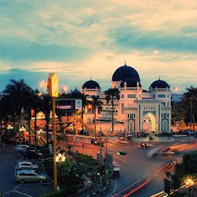 Simpang Masjid Raya by Daniel Pasaribu - City,  Street & Park  Street Scenes ( masjid raya, medan, city )