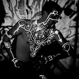 Warrior by Rob Casey - People Body Art/Tattoos ( b/w, topless, black and white, highlighter, glow, body paint )