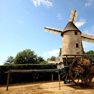 Moulin à grain en Vendée.jpg