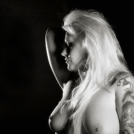Shining Blonde by Gary Bradshaw - Nudes & Boudoir Artistic Nude