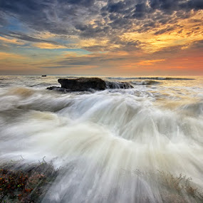 Break by Hendri Suhandi - Landscapes Waterscapes ( bali, sunset, sunrise, beach, landscape )