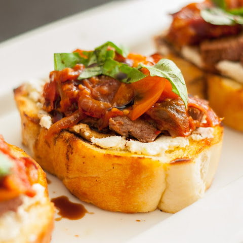 Steak Bruschetta with Goat Cheese and Tomato Jam