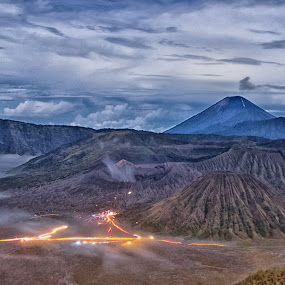 bromo newyear by Teguh Adi - Landscapes Mountains & Hills ( cold, new year, beautifull, eastjava, bromo, light )