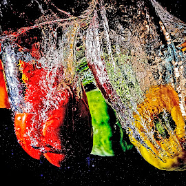 capsicum splash by Gurung Purna - Food & Drink Fruits & Vegetables ( splash, green, capsicum, vegetables, yellow )