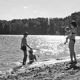 summer by Vlad Sidorak - People Family ( family, summer, lake, kids, sun, KidsOfSummer )