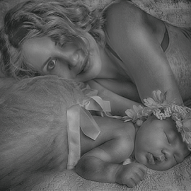 Mother & Daughter BW by Cheryl Korotky - Black & White Portraits & People