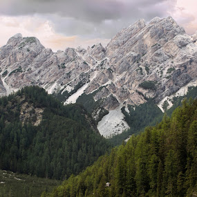 Croda del becco by Mark Soetebier - Landscapes Mountains & Hills ( dolomiten, dolomiti, seekofel, croda del becco, dolomites, braies )