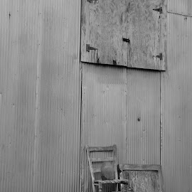 remenisce by Melissa Osborne - Buildings & Architecture Other Exteriors ( barn, simplicity, black and white, simple, lifestyle )