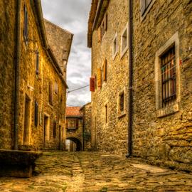 Old Street Hum by Siniša Biljan - City,  Street & Park  Street Scenes