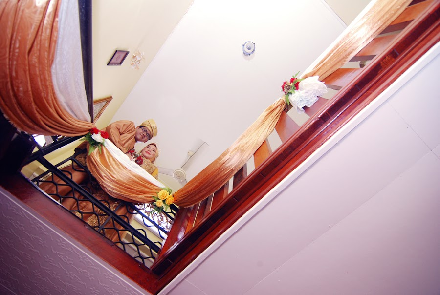 by Ahmad Zaidi Taharim - Wedding Bride & Groom