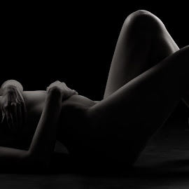 Shadows by Michaela Firešová - Nudes & Boudoir Artistic Nude ( nude, black and white, shadow, relaxation, curves )