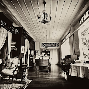Living Room Gotch by Gotch Gatchalian - Buildings & Architecture Homes ( old house, furnitures, living room, furniture, antique, pwclivingrooms, antiques )