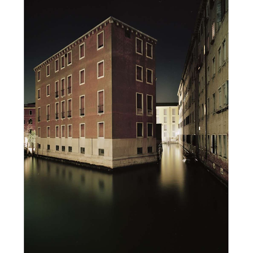 Giovanni Cocco, At what time does Venice close 8