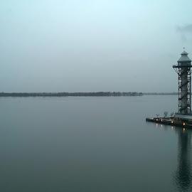 Erie, PA by Jacques VonMolendorff - Novices Only Landscapes