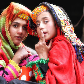 2R by Abdul Rehman - People Street & Candids ( girls, pakistan, colorful, beautiful, kalash )