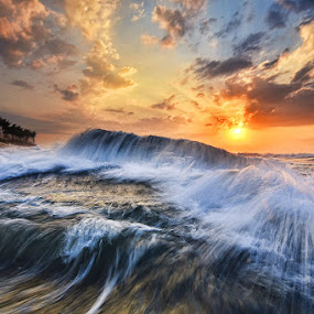 High Tide in Manyar Beach by Hendri Suhandi - Landscapes Waterscapes ( bali, landscape )