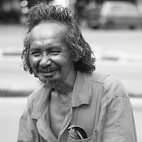 Old Men by Fazrul Mustaqim - People Portraits of Men ( citizen, old, grandfather, street, candid, men, adult, father )