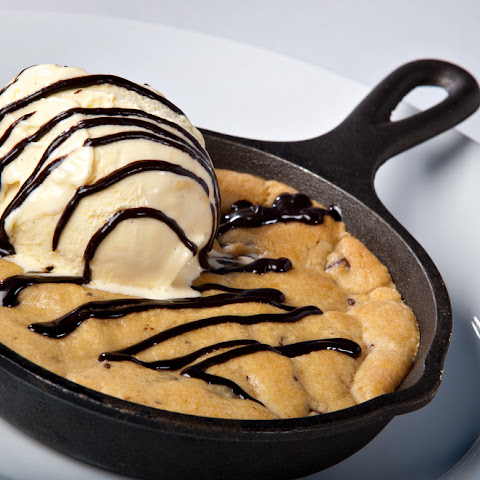 Pizza Hut Copycat Skillet Cookie Dough