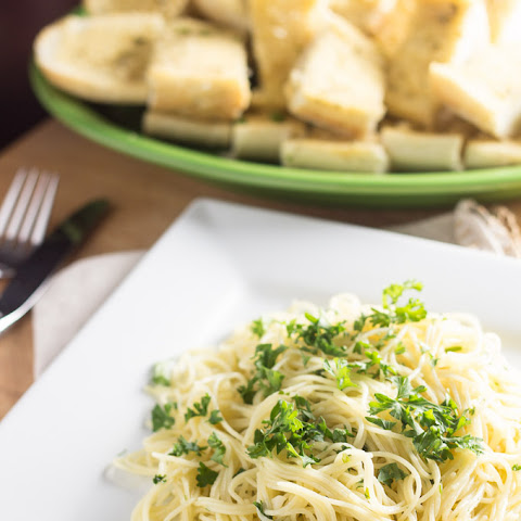 Spaghettini with Garlic, Olive Oil, & Parsley