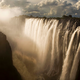 Mighty Victoria by Chris Coetzee - Landscapes Travel ( water, zimbabwe, victoria falls, africa, water fall,  )