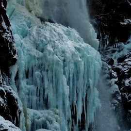 Frozen waterfall by Thor Erik Dullum - Landscapes Weather ( winter, ice, waterfall, snow, frozen,  )