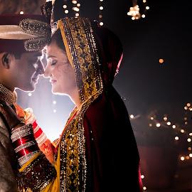 Feel the love.... by Kshitij Bhaswar - Wedding Bride & Groom ( wedding photography, indian marriage, indian, candid phot, candid, indian weddinh, indian bride, indian wedding, hindu girl, portrait, hindu boy, hindu couple, wedding, indian couple, couple, hindu marriage, bride, groom )