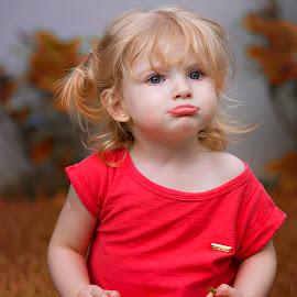 by Rubens Kroeger - Babies & Children Child Portraits ( children portrait, funny, baby girl )