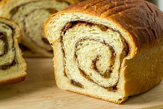 Cinnamon Raisin Swirl Bread Recipe | Yummly