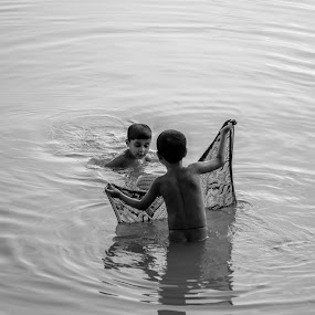 Aquatic Fun by Rahat Amin - Babies & Children Children Candids ( black and white, care, children, baby, siblings )