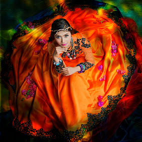 circle of colour by Mdnoh Mnj - People Portraits of Women (  )